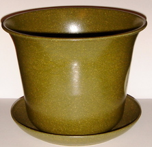 Green Planter with Matching Saucer ~ Made of Plant Fiber ~ N - $5.00