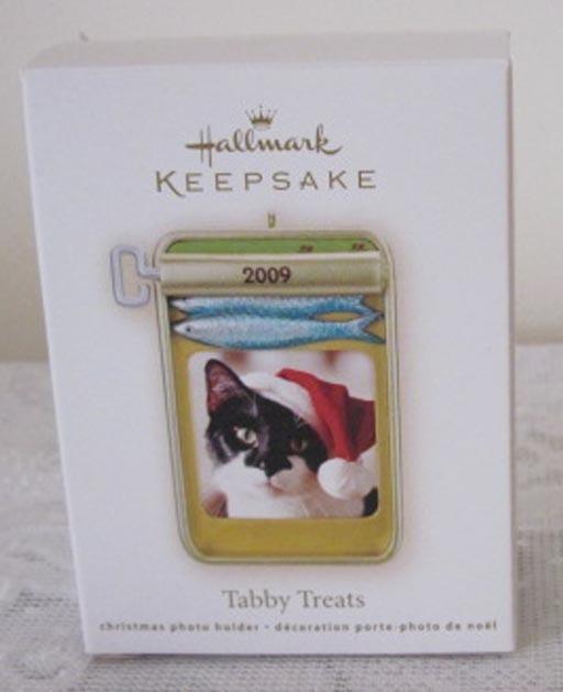 Hallmark Keepsake Tabby Treats Picture Frame Christmas Ornament 2009 New In Box