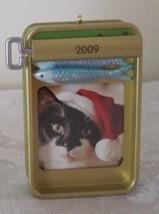 Hallmark Keepsake Tabby Treats Picture Frame Christmas Ornament 2009 New... - $4.79