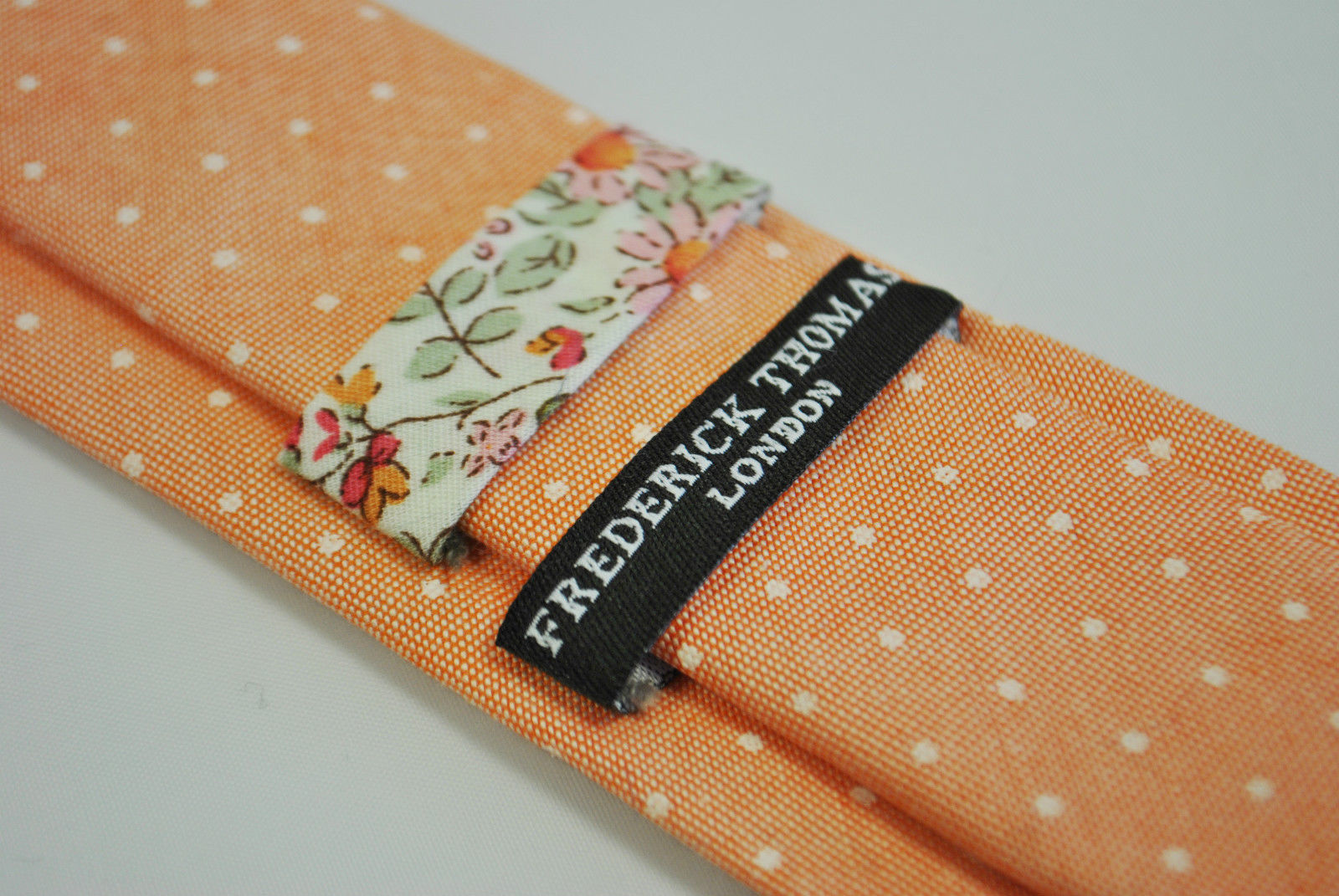 Frederick Thomas peach/orange spotted tie 100% cotton linen FT2177