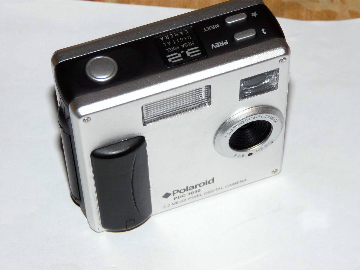 2b44350d14 Polaroid PDC 3030 3.2 MP Digital Camera - and 33 similar items. S l1600
