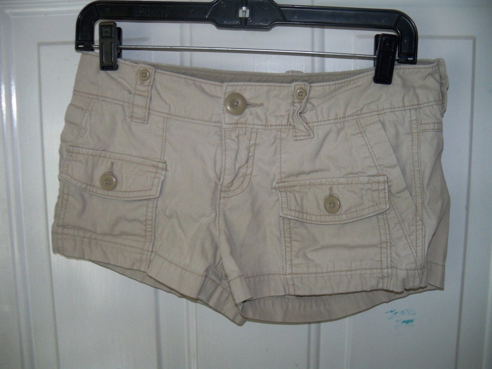 Primary image for American Eagle Khaki Short Shorts Size 2 Women's EUC