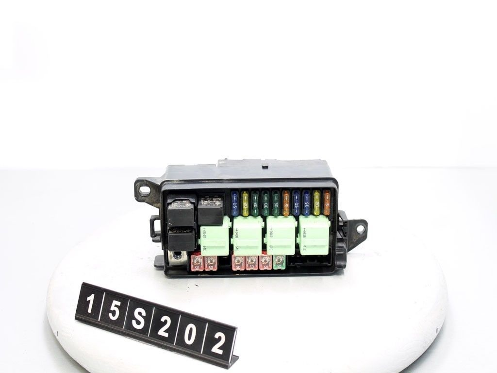 05 mini cooper fuse box relay under hood 15s202 switches. Black Bedroom Furniture Sets. Home Design Ideas