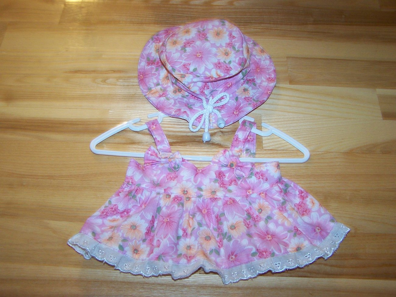 Dress with Hats Pets Dog  Size: Small