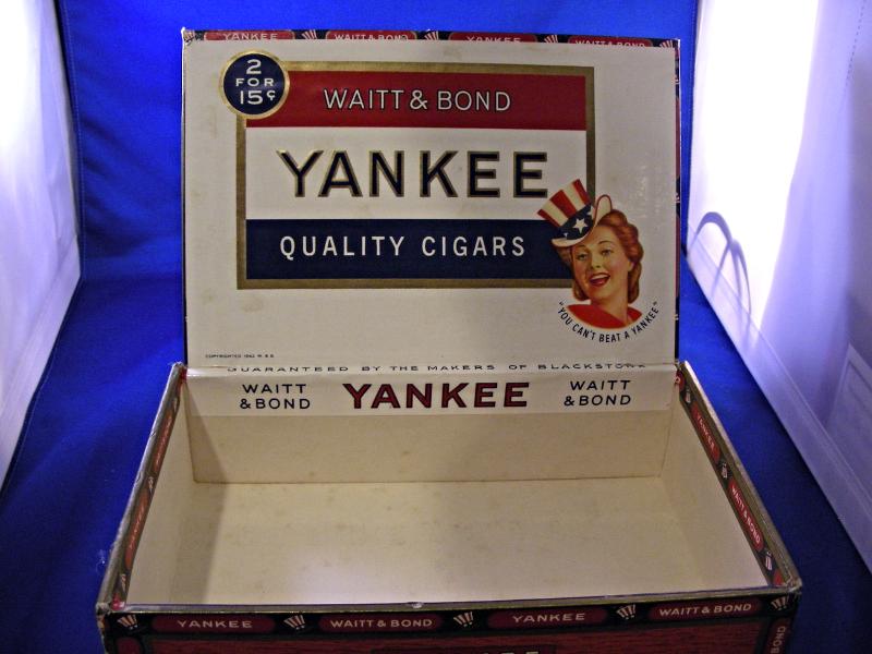 VINTAGE 1940'S YANKEE SUPREME QUALITY CIGAR BOX WAITT & BOND BEAUTIFUL CONDITION