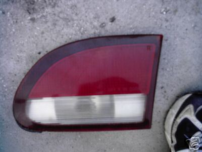 1995-1996 CAVALIER TAILLIGHT LEFT SIDE (DRIVER)