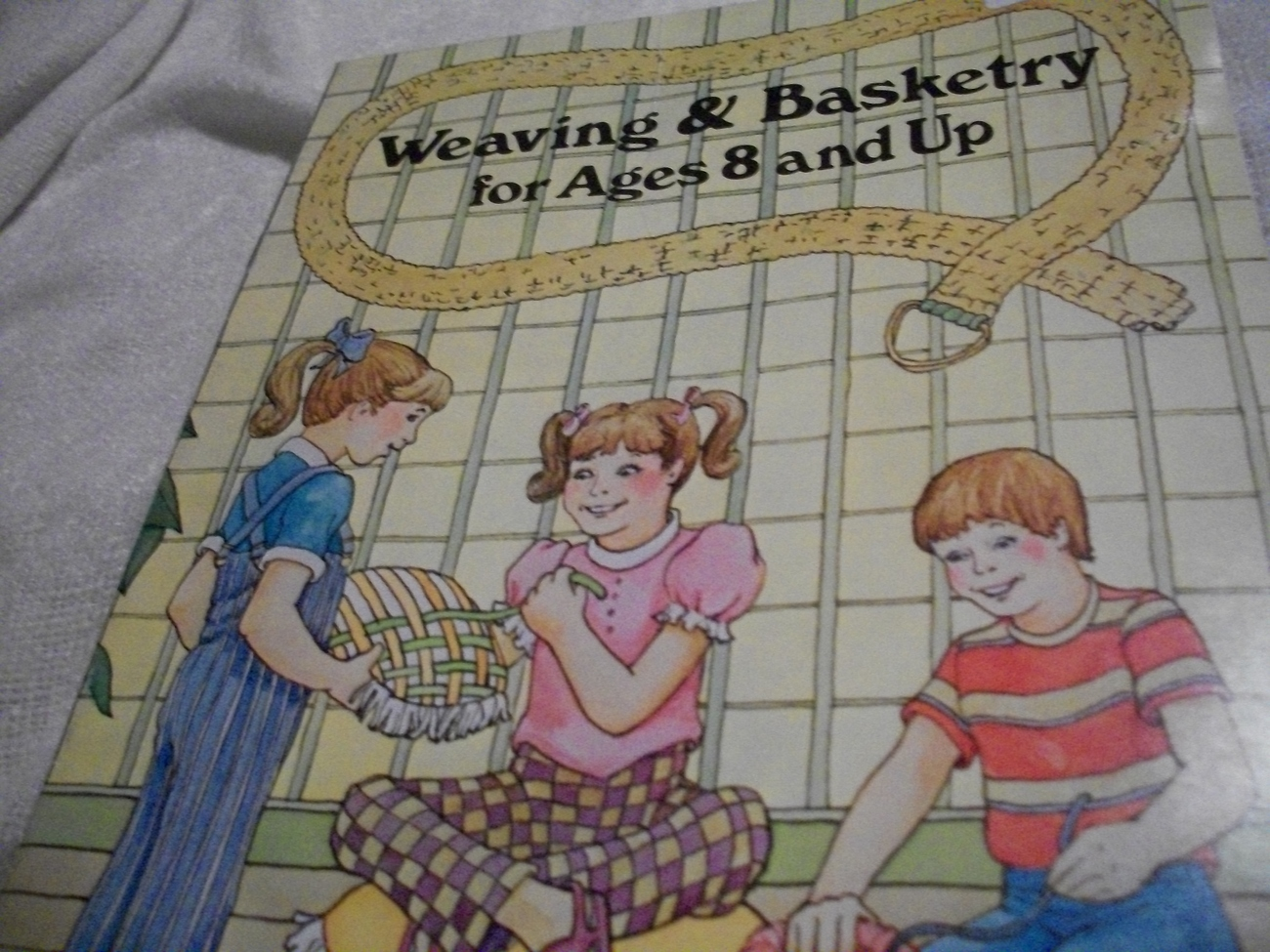 Primary image for Weaving & Basketry Kids Craft Book