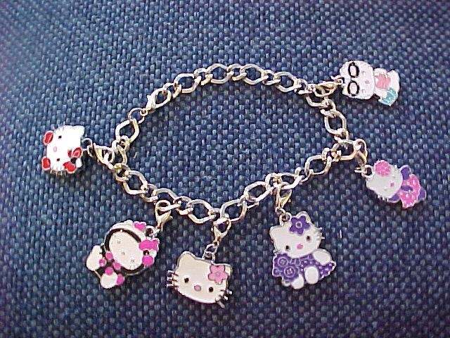 Primary image for NEW Lovely Hellokitty Pendant Alloy Tomas Bracelet - brand new