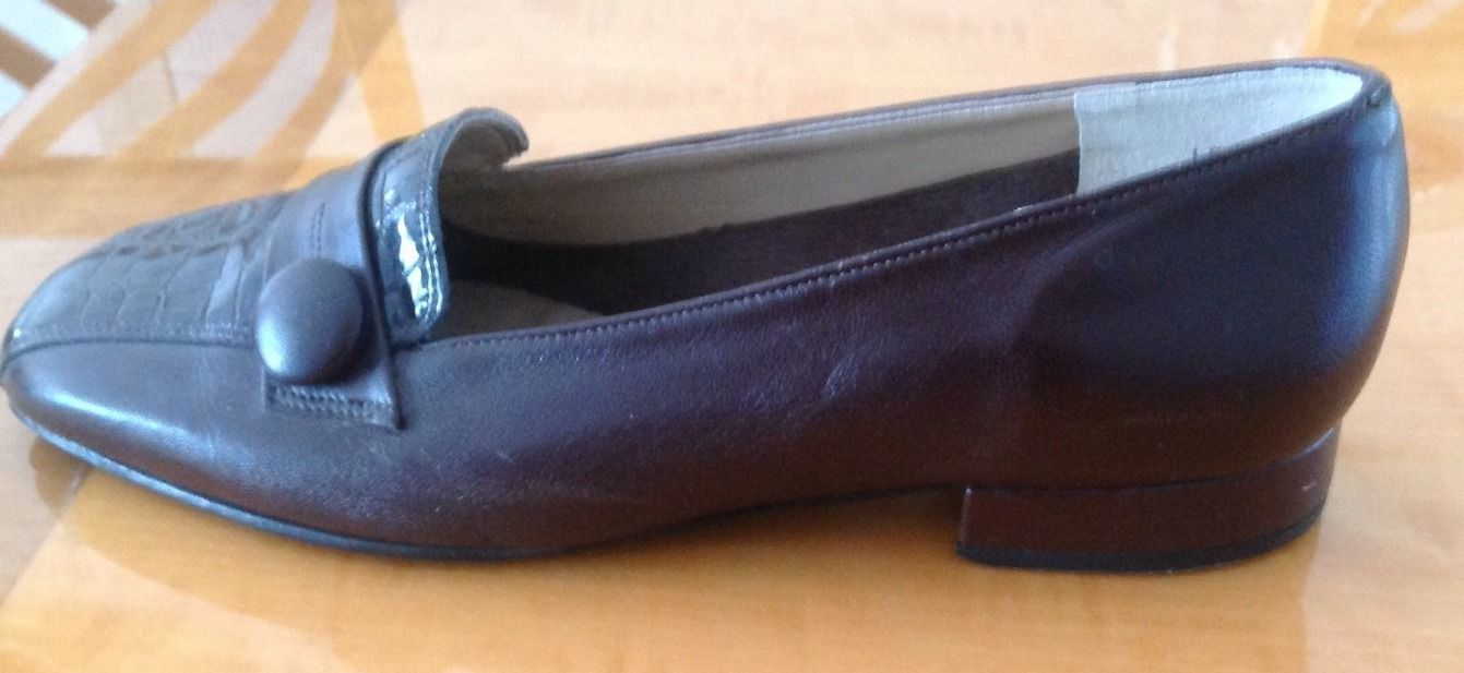 EUC California Magdesians Brown Leather Womens Loafers SZ 8W