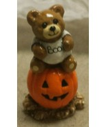 Donna Petersen Wee Forest Folk Tiny Teddies Bear on Pumpkin Halloween Mi... - $15.00