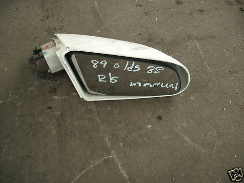 87-91 EIGHTY EIGHT/LESABRE RIGHT SIDE MANUAL MIRROR