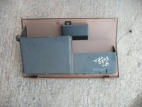 87-91 ford truck glove box assembly with latch
