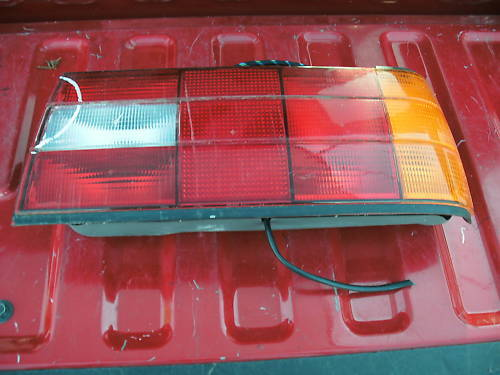 88-91 bmw 325i right side taillight assembly