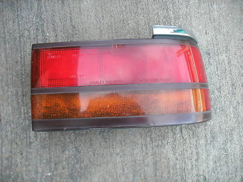 90-2 mazda right side taillight assembly