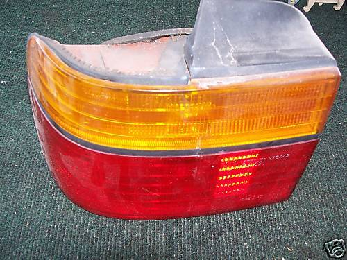90-91 ACCORD LEFT SIDE OUTER TAILLIGHT ASSEMBLY