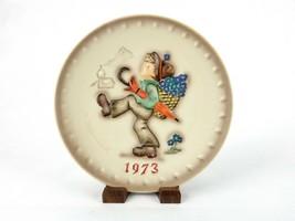 """Globe Trotter"" Hummel 3rd Annual Collector Plate Boy w/Umbrella ~ 1973, #PLT67B - $9.75"
