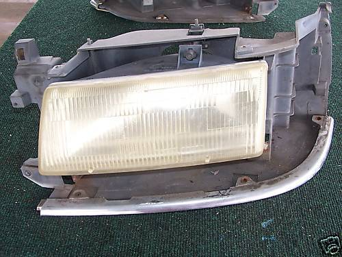 91-95 VOYAGER LEFT SIDE HEADLIGHT