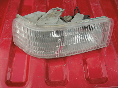 92-02 eldorado left side parklamp assembly