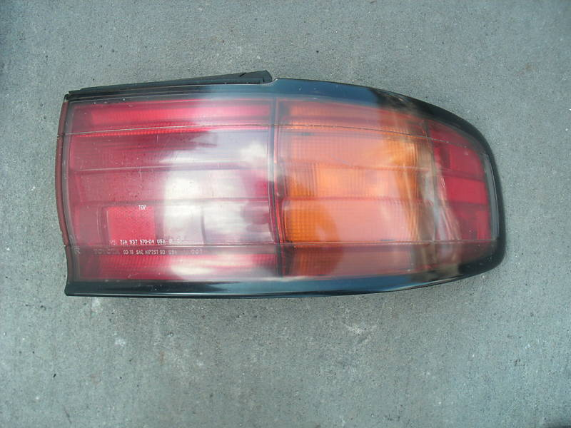 92-94 camry right or passenger side taillight assembly