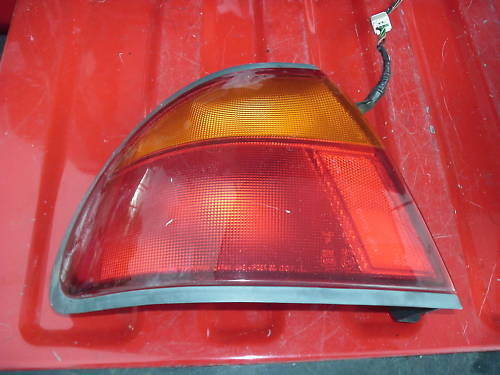 92-95 mazda protege left (drivers) taillamp assembly