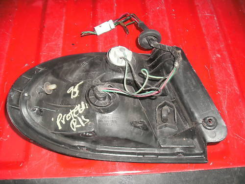 92-95 mazda protege right (passenger) taillamp assembly