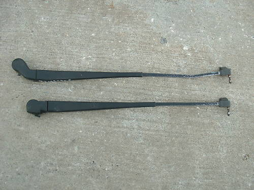 Primary image for 92-99 lesabre pair of windshield wiper arms-no blades