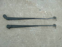 92-99 lesabre pair of windshield wiper arms-no blades - $13.73
