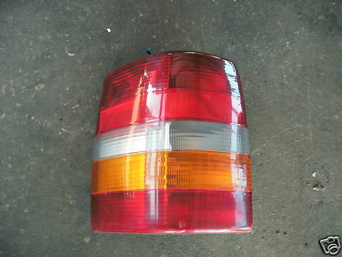 93-98 grand cherokee left side taillight assembly