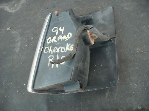 93-98 grand cherokee right side marker light