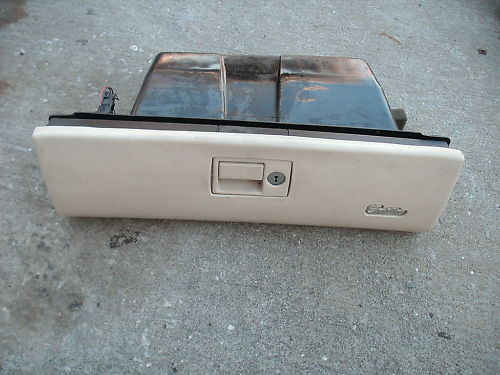 Primary image for 94-96 deville glove box assembly with lock-no key