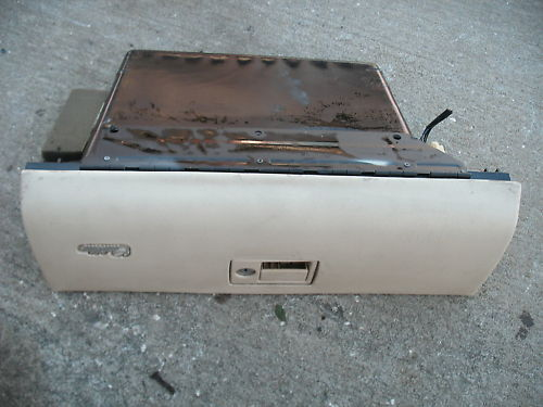 94-96 deville glove box assembly with lock-no key