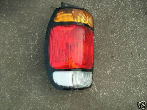 95-96-97 explorer left side taillight assembly