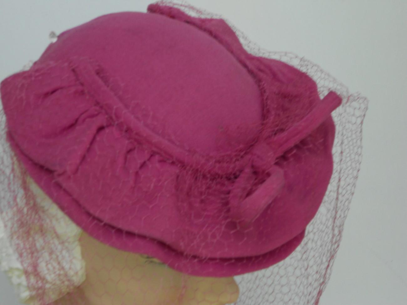 Vtg Hat 1930 40s WWII Ruffled Pink Skull Cap  w/Perfect Net Full Face Veil VCG
