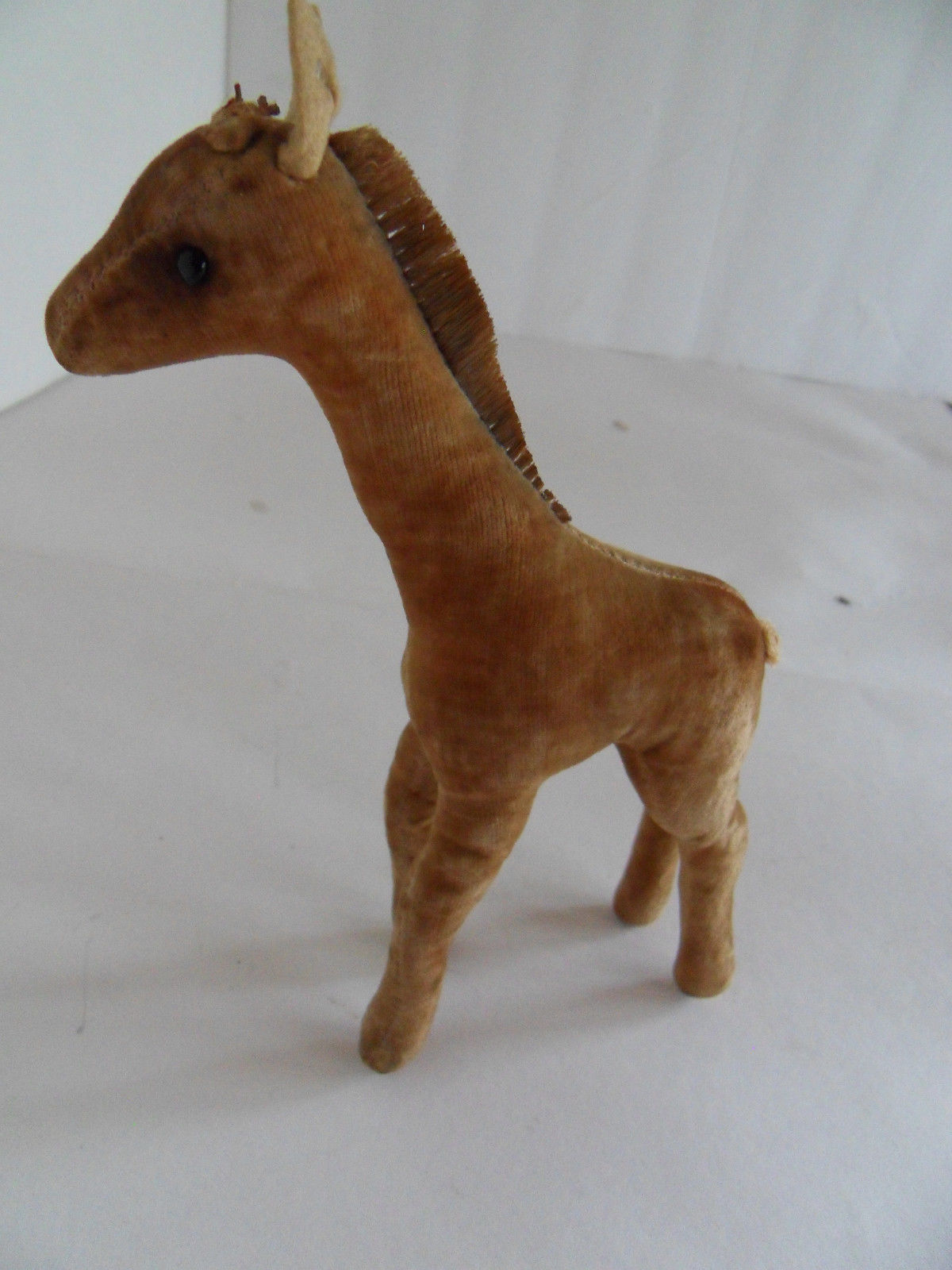 Steiff giraffe miniature with button Germany 1675