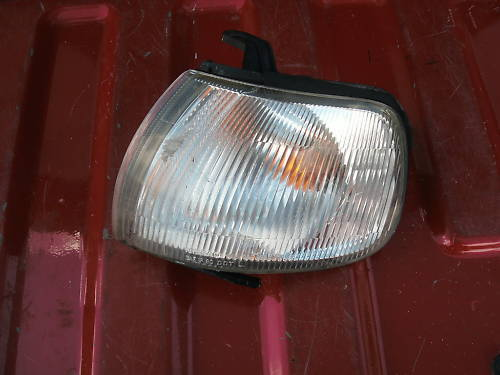 95-99 sentra left (drivers) front side marker/parklamp