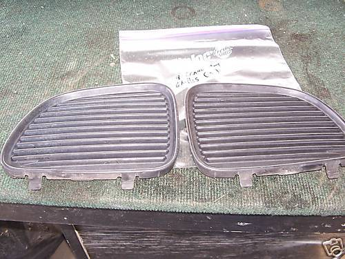 96-97-98 grand am pair of center grille pieces