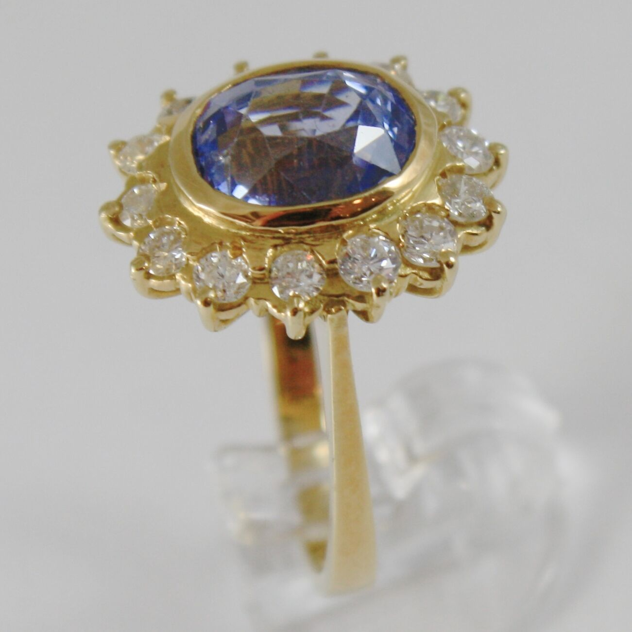 18K YELLOW GOLD BAND FLOWER RING WITH DIAMONDS AND BLUE TOPAZ, MADE IN ITALY