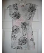 Juniors Blouse with Flower Design Size Medium - $9.29