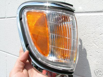 PARK LAMP TACOMA (4WD ONLY) PASSENGER SIDE