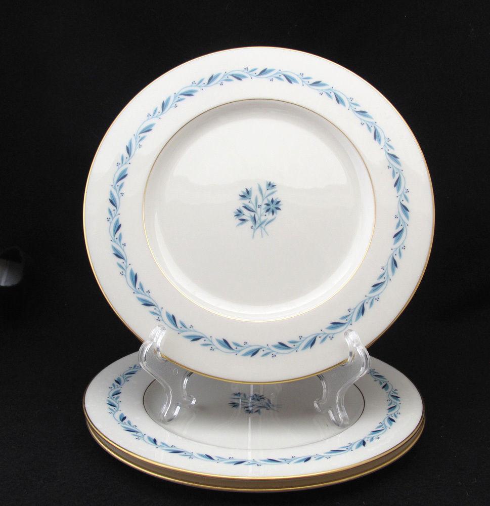 Lenox blueridge dinner plates blue laurel and 21 similar items lenox blueridge dinner plates blue laurel rim blue flower center set of three mightylinksfo