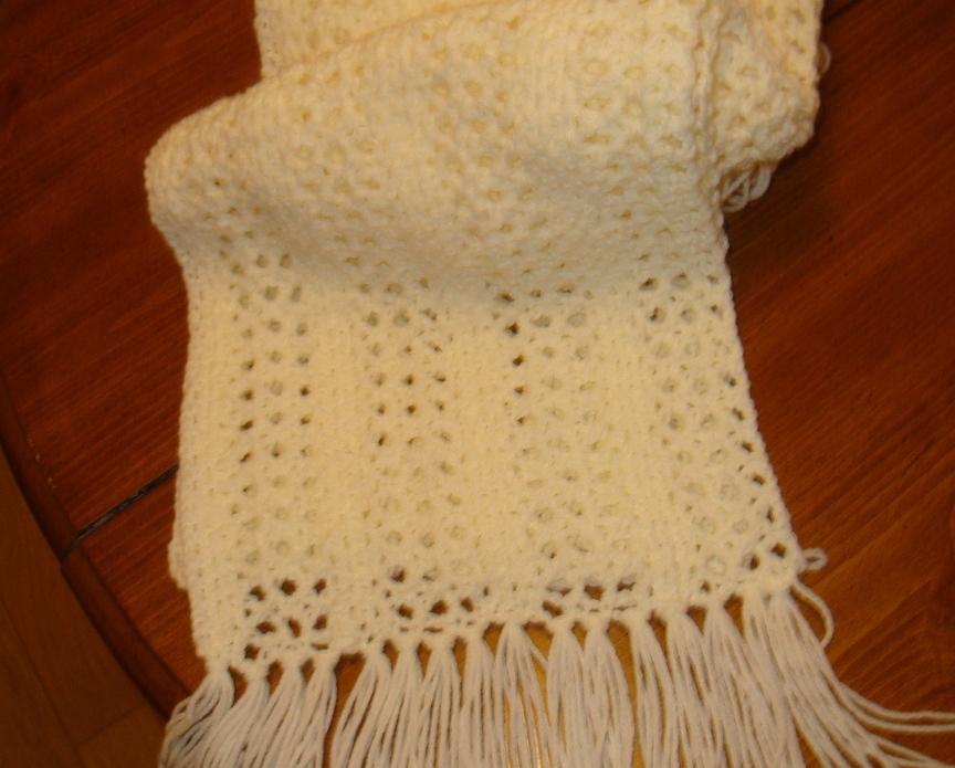 Cream lacy scarf 001