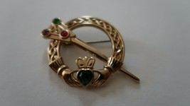 Vintage Signed SOLDOR MIRACLE Pin CELTIC CLADDAGH BROOCH PIN Gold Toned ... - $27.72