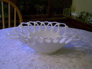 Primary image for BEAUTIFUL MILK GLASS LACY BOWL  WESTMORELAND