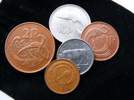 Gift Bag Of 5 Authentic Irish Decimal Animal Coins In A Plush Velvet Pouch - $7.99