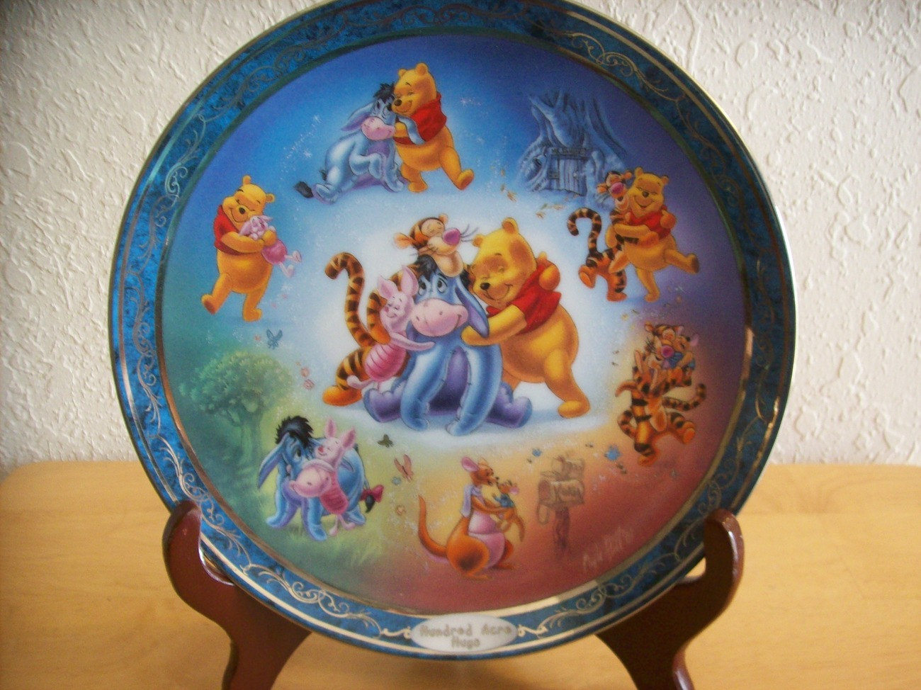 "Disney Winnie the Pooh ""Hundred Acre Hugs"" Bradford Exchange Collector's P"