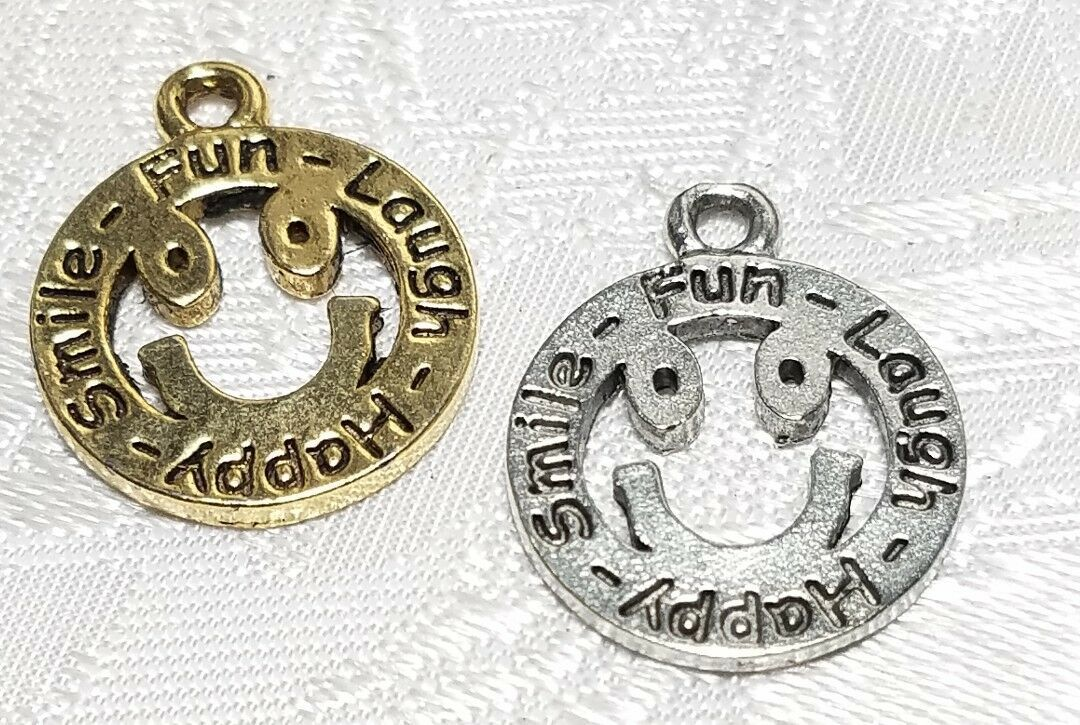 SMILE FUN LAUGH HAPPY SMILEY FACE FINE PEWTER PENDANT CHARM