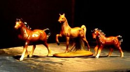 Horse Figurines AA18 - 1024 Set of 3 Vintage Collectible image 3