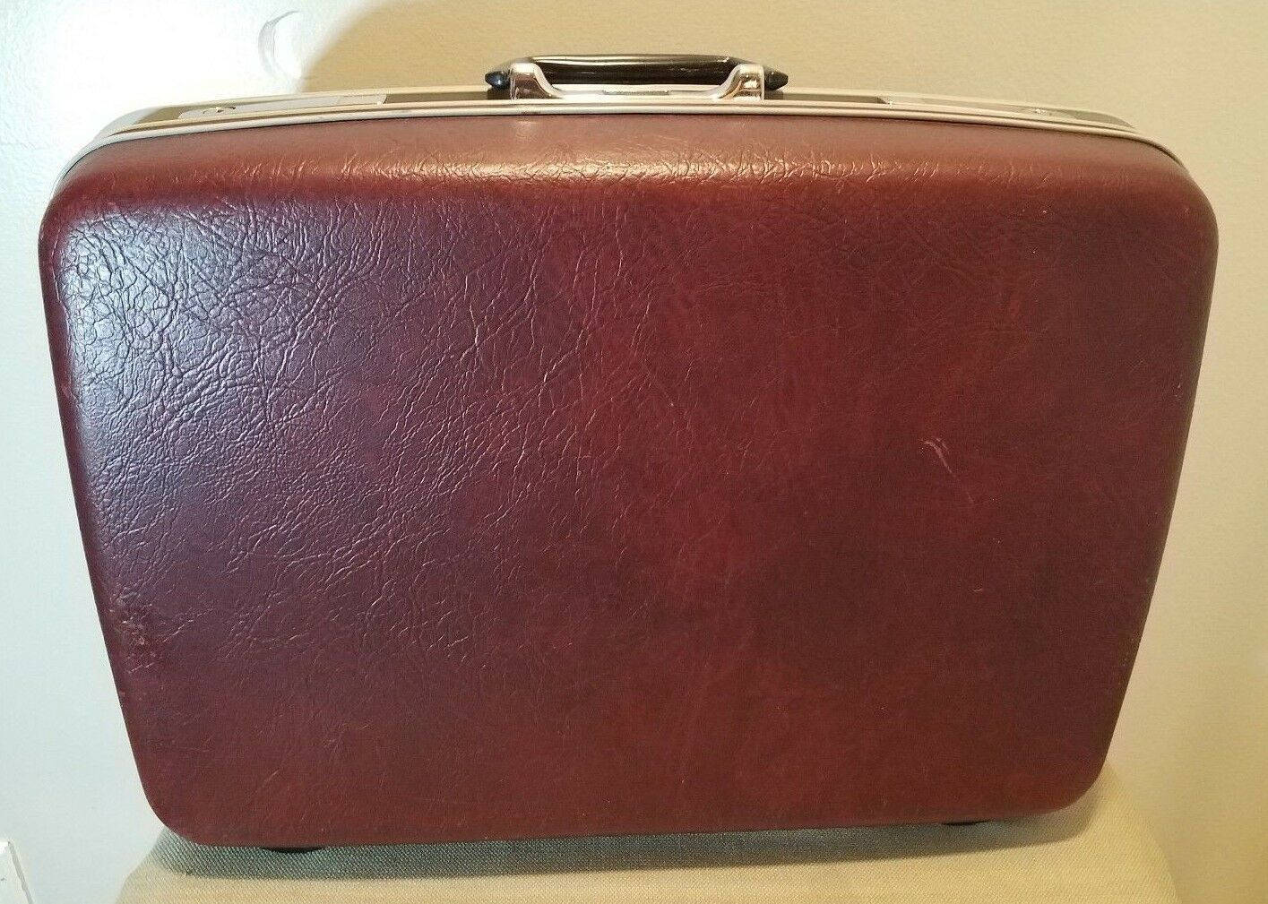"Vintage SAMSONITE Sentry Burgundy 22"" Suitcase with Keys, Excellent Condition!"