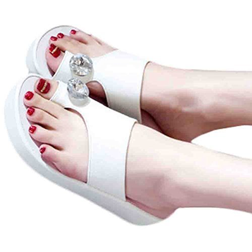 A Pair Fashion Sandals Beach Slipper Prevent Slippery Slipper(White)