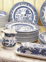 "CHURCHILL ""BLUE WILLOW"" DINNER PLATES SET OF 6 WHITE/BLUE MADE IN ENGLAND NEW  - $119.50"